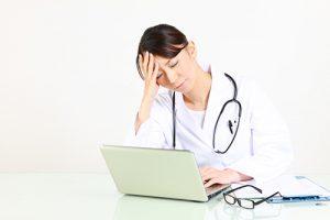 女性医師が悩むセクハラ・パワハラ問題を解決するためには?